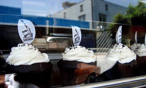 Black & White Cupcake